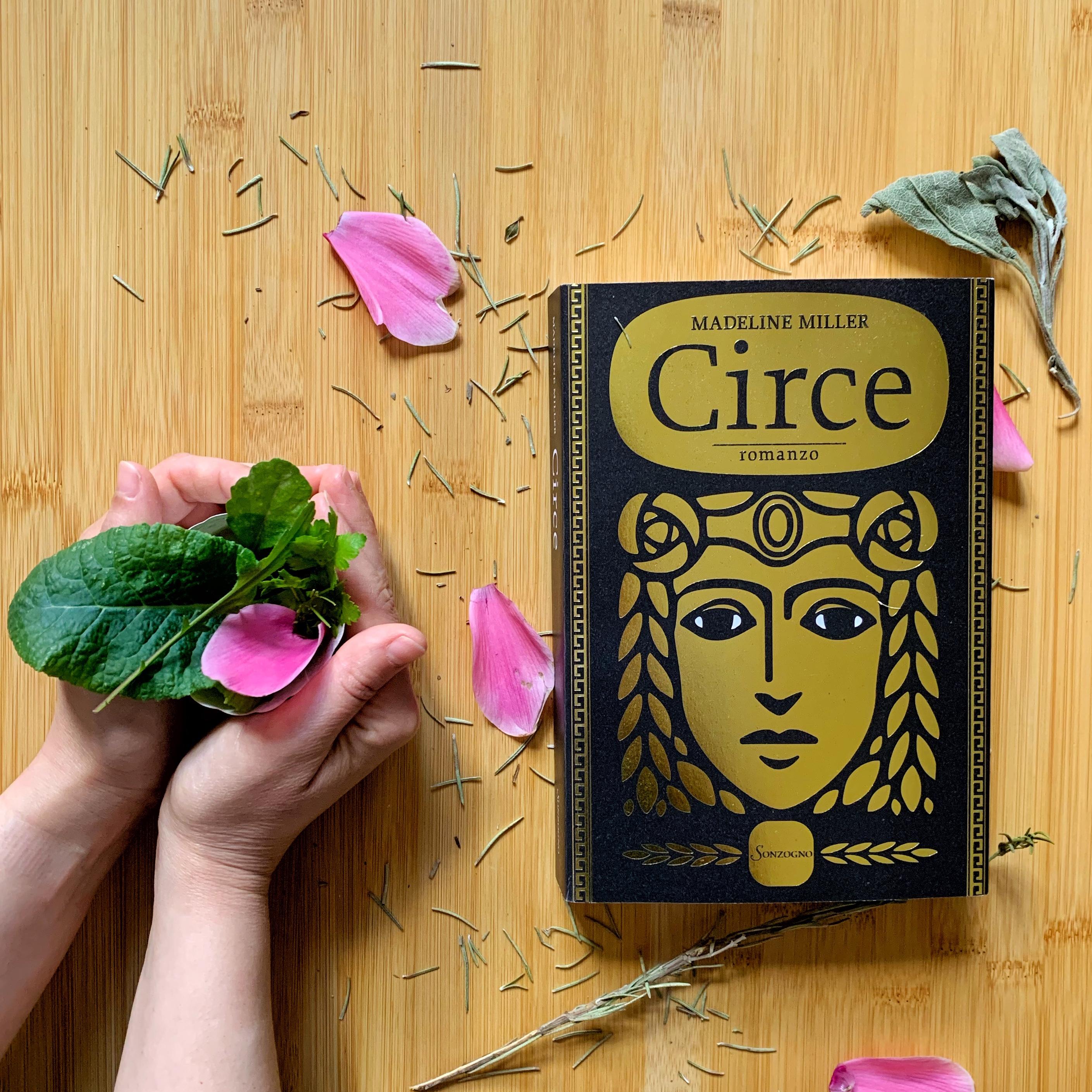 Circe, Madeline Miller, Divinità, Mitologia, Antica Grecia, Achiille, Dedalo, Odisseo, Ulisse, Odissea, Maga, Dea, Polifemo, Viaggio, Eea