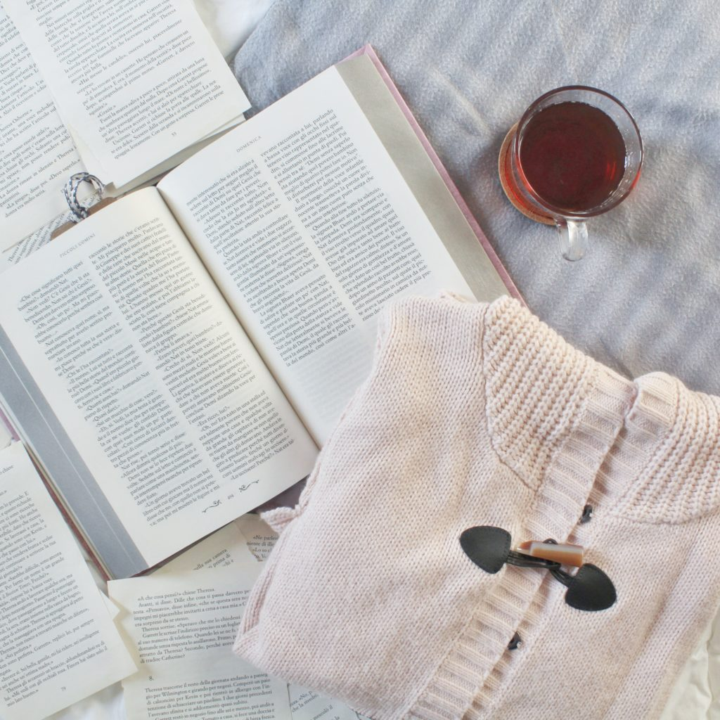 brr che freddo, indumenti pesanti, libri, scene divertenti, tisana, libri da leggere, ironia